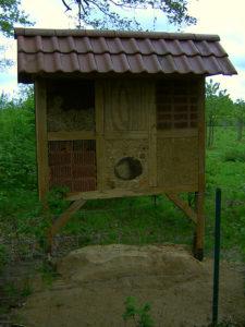 Artland Mosterei - Insektenhotel Bild 01